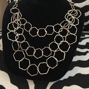 Jewelry - NWT gold links, three chain necklace
